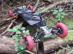 gila board - While off-road skateboards aren't a novel invention in themselves, what makes the Gila Board unique is the fact that is doesn't have a ...