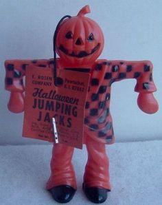 1950s Halloween, Vintage Halloween Images, Vintage Halloween Decorations, Halloween Skull, Halloween Night, Holidays Halloween, Spooky Halloween, Happy Halloween, Halloween Goodies
