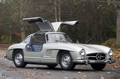 Mercedes Benz 300SL free hd wallpaper