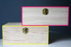 Creative: Eleven More Awesome Neon DIYs  Edgy! > Caught On A Whim shares these Neon Edged Boxes