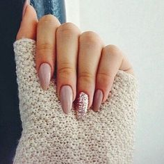 #ShareIG Loving this #mani. What to do tomorrow? I love when a manicure is your biggest decision of the weekend!