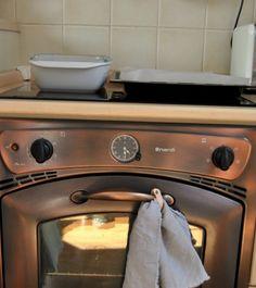 VOSKOVANÉ PLÁTNO alebo Ako si vyrobiť vlastný ekologický obal na potraviny / Lisbet_linen / SAShE.sk Sink, Home Decor, Sink Tops, Homemade Home Decor, Vessel Sink, Vanity Basin, Interior Design, Home Interiors, Sinks