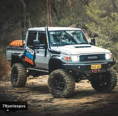 Best classic cars and more! Toyota Pickup 4x4, Toyota Trucks, Toyota Cars, Toyota Hilux, Pickup Trucks, Land Cruiser Pick Up, Fj Cruiser, Toyota Land Cruiser, Landcruiser 79 Series