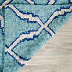 Safavieh Hand-woven Moroccan Reversible Dhurrie Light Blue Wool Rug