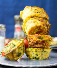 Low Carb Breakfast Egg Muffins When we first came across these Low Carb Egg Breakfast Muffins it suckered us in instantly, but also looked a little fiddly and time consuming. After a few (a lot!) o... http://livedan330.com/2015/10/27/low-carb-breakfast-egg-muffins/
