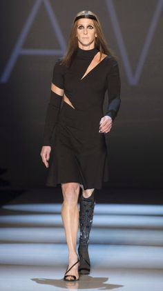 Toronto Fashion Week: Amputee Amy Winters Models For VAWK http://www.stylelist.ca/2014/03/18/toronto-fashion-week-amputee-models-vawk/