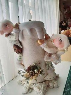 Christmas Decorations, Christmas Ornaments, Crafts To Do, Burlap Wreath, Dinosaur Stuffed Animal, Virginia, Christmas Crafts, Christmas Decor, Fabric Dolls