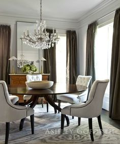 Dining Room Table   Layered, Simple Color And Round Dining Table