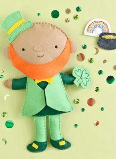 Leprechaun Plush Toy Pattern Diy Crafts For Kids Easy, Adult Crafts, Diy Craft Projects, Craft Tutorials, Sewing Projects, Craft Ideas, Diy Plush Toys, St Patricks Day Crafts For Kids, Kobold