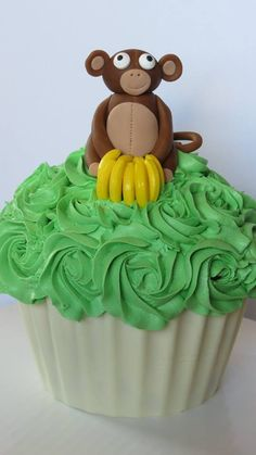 Monkey Cake (giant cupcake with Monkey and bananas)