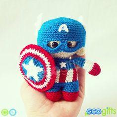 """""""Pequeño, tierno y adorable  .... Capitán América Tiny ❤...."""""""