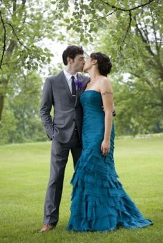 teal Carmen Marc Valvo gown. It's hard to find a colored gown that doesn't look prom-ish, but this shows it is possible.