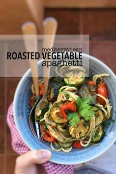 Easy Mediterranean Roasted Vegetables Spaghetti Easy Pasta Recipes, Veggie Recipes, New Recipes, Cooking Recipes, Dinner Recipes, Healthy Recipes, Salad Recipes, Sauteed Vegetables, Veggies