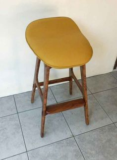 Stool from Molave with leather seat Stools, Hardwood, Recycling, Leather, Furniture, Home Decor, Homemade Home Decor, Natural Wood, Stool