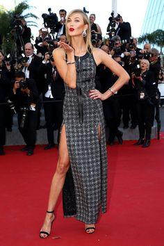 Pin for Later: Seht die Stars in ihren schönsten Roben beim Filmfest in Cannes Karlie Kloss in Louis Vuitton