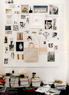 Pin board for inspiration wall in a home office or studio space. Inspiration Wand, Interior Inspiration, Design Inspiration, Furniture Inspiration, Interior Ideas, Fashion Inspiration, Inspirations Boards, Studio Decor, Studio Interior