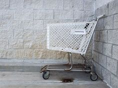 10 Reasons to Escape Excessive Consumerism