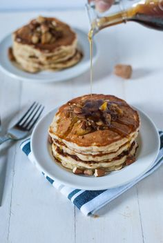 Fluffy apple pie pancakes | @cookiedesire