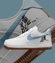 """Sneaker News on Twitter: """"Which Nike Air Force 1 """"Indigo"""" do you prefer - Left or Right?… """" Nike Force 1, Nike Shoes Air Force, Cute Nike Shoes, Cute Nikes, Sneakers Fashion, Fashion Shoes, Air Force 1 Outfit, Swag Shoes, Aesthetic Shoes"""