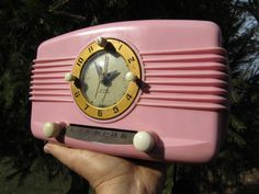 1950s Rare Pink PLASKON Bakelite Clock Radio
