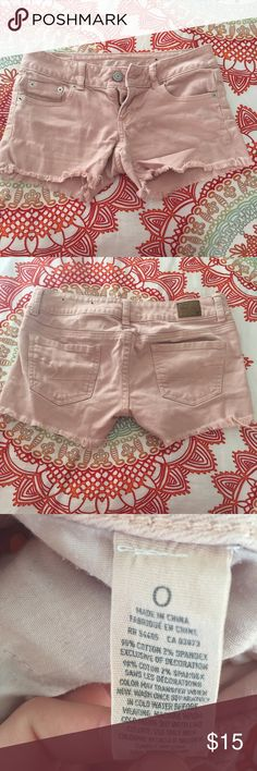 Perfect Pink Frayed Shorts Very flattering and stylish, perfect for summer American Eagle Outfitters Shorts Jean Shorts