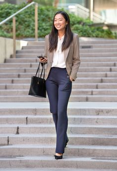 Hard-working job interview outfit on a budget Get Free Business Professional Outfits, Business Casual Outfits For Women, Stylish Work Outfits, Summer Work Outfits, Work Casual, Summer Professional, Women's Professional Clothing, Women Business Attire, Office Clothes For Women