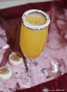 fun drinks to make for kids - fun drinks ; fun drinks for kids ; fun drinks to make ; fun drinks to make at home ; fun drinks to make for kids Cocktails, Vodka Drinks, Drinks Alcohol Recipes, Christmas Party Drinks, Christmas Punch, Noel Christmas, Dessert Drinks, Fun Drinks, Desserts