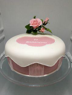 Rosa Cake, dort s ruzi