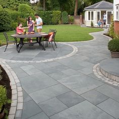 Marshalls Paving Slate 'Casarta' Silbergrau-Pflastersteine - patio - Marshalls Paving S Garden Slabs, Patio Slabs, Garden Paths, Patio Stone, Fence Garden, Herb Garden, Vegetable Garden, Concrete Driveways, Concrete Patio