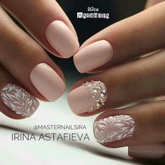 Semi-permanent varnish, false nails, patches: which manicure to choose? - My Nails Fancy Nails, Cute Nails, Pretty Nails, Hair And Nails, My Nails, Nagel Tattoo, Bridal Nail Art, Bride Nails, Wedding Nails Design