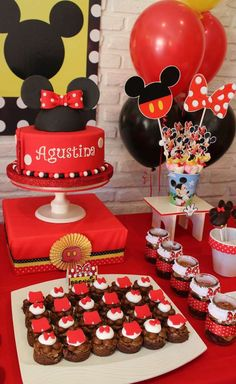 57 Mickey Mouse Birthday, Minnie Mouse, Mouse Parties, 2nd Birthday Parties, First Birthdays, Party Ideas, Cakes, Bedroom, Projects