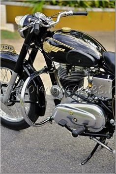 My Royal Enfield vintage Bullet - South India Bullet Modified, Royal Enfield Classic 350cc, Bullet Bike Royal Enfield, Royal Enfield India, Royal Enfield Modified, Cruiser Bikes, Motorcycle Manufacturers, Hd Wallpapers For Mobile, South India