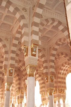 Interior design of Al-Masjid al-Nabawi (The mosque of the Prophet) Mecca Madina, SAUDI ARABIA,   (by Omar A., via Flickr)