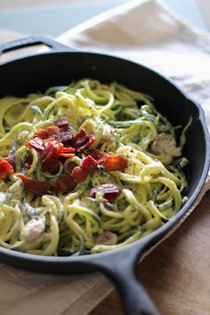 Zucchini noodles with healthy dairy-free carbonara sauce. You're never going to believe the trickery that went into these noodles. I made cream-less, cheese-less pasta carbonara using cauliflower o… Bacon Recipes, Paleo Recipes, New Recipes, Whole Food Recipes, Dinner Recipes, Cooking Recipes, Fast Recipes, Yummy Recipes, Zucchini Carbonara