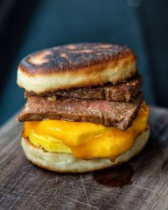 [Found] Sausage Egg and Cheese on an English Muffin Food Recipes Sriracha Sauce, Spicy Sauce, Healthy Sauces, Sausage And Egg, Steak And Eggs, Food Inspiration, Sandwiches, Brunch, Healthy Eating