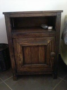 Upcycled Old Pallet Side Table | Pallet Furniture
