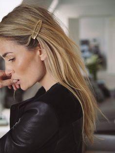 The biggest hair trend of the season, plus 20 fabulous and stylish hair clips. The biggest hair trend of the season, plus 20 fabulous and stylish hair clips. Big Hair, Your Hair, Corte Y Color, Stylish Hair, Pretty Hairstyles, Blonde Hairstyles, Trending Hairstyles, Basic Hairstyles, Office Hairstyles
