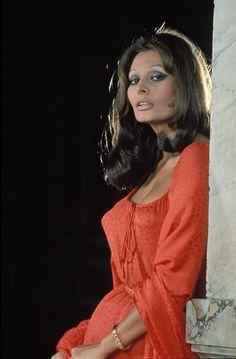 Sofía Loren, la gran actriz italiana, cumple 80 años. Una de las italianas más célebres fuera de sus fronteras, de las actrices más aclamadas del mundo y de las muje