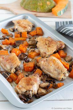 Pollo al forno con zucca e funghi Meat Recipes, Cooking Recipes, Light Recipes, Quinoa, Food Porn, Food And Drink, Pork, Turkey, Chicken