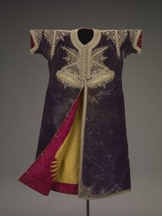 Bride's wedding kaftan, Moroccan, 1800-1850. Indianapolis Museum of Art.