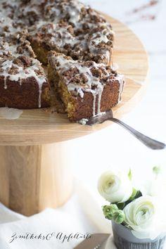 Eierlikör-Kuchen mit Zimt-Knusperstreuseln - super einfach und schnell selber gebacken - das perfekte Rezepte für den Sonntagskaffee oder auch auf der Oster Tafel perfekt
