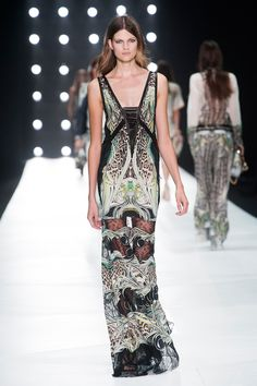 Ethnic longdress in versione beach party