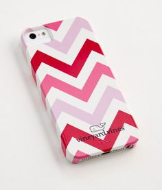 """From #VineyardVines """"Think Pink"""" Collection. We adore this chevron iPhone case, and 30% of all proceeds go to the Breast Cancer Alliance!"""
