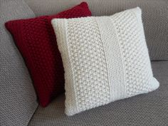 Emma's Moss Stitch Cushion pattern by The Craft Closet : Ravelry: Emma's Moss Stitch Cushion pattern by The Craft Closet Knitted Cushion Covers, Cushion Cover Pattern, Knitted Cushions, Knitted Blankets, Cat Cushion, Free Knitting, Knitting Patterns, Cable Knitting, Knitted Cat