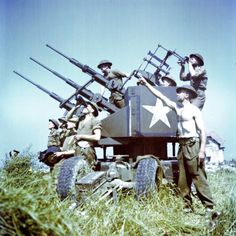 Soldiers of the 3rd Canadian Infantry Division with Anti-Aircraft Guns on Juno Beach Photographic Print at AllPosters.com