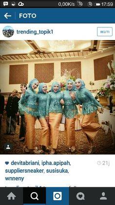 #kebaya #javanese #muslim #kebayamuslim #hijab #jilbab #makeup Kebaya Modern Hijab, Kebaya Muslim, Muslim Dress, Kebaya Lace, Kebaya Brokat, Indonesian Kebaya, Hijab Style Dress, Wedding Hijab, Hijabs