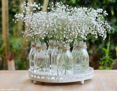Flower Table Decorations, Reception Table Decorations, Wedding Reception Tables, Outdoor Wedding Decorations, Diy Centerpieces, Table Flowers, Vases Decor, Diy Flowers, Rustic Birthday