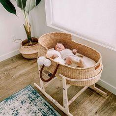 Rocking Stand for Design Dua Bassinets - Babyzimmer ideen - Design Rattan Furniture Baby Basinets, Baby Boys, Diy Baby, Baby Bedroom, Nursery Room, Babies Nursery, Wood Nursery, Moses Basket, Baby Arrival