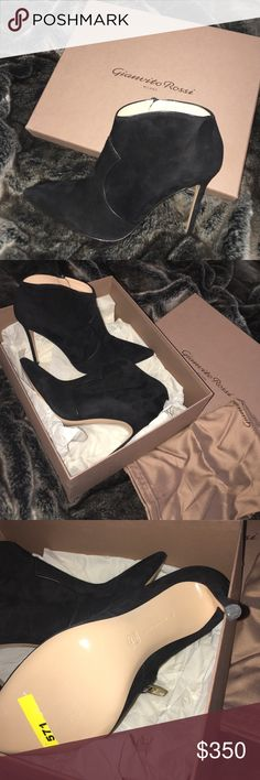 Gianvito Rossi heel booties sz 40 Authentic. Brand new never worn. Purchased the wrong size. My loss, your gain. Retails for $1055, I purchased on sale for $419. Comes with box and dust bag gianvito rossi Shoes Ankle Boots & Booties