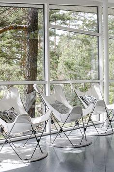 juhannus2014 (23 of 24) Monochrome Interior, Interior Design, Mid-century Modern, Modern Design, White Rooms, Butterfly Chair, Scandinavian Interior, Decoration, Decorating Your Home